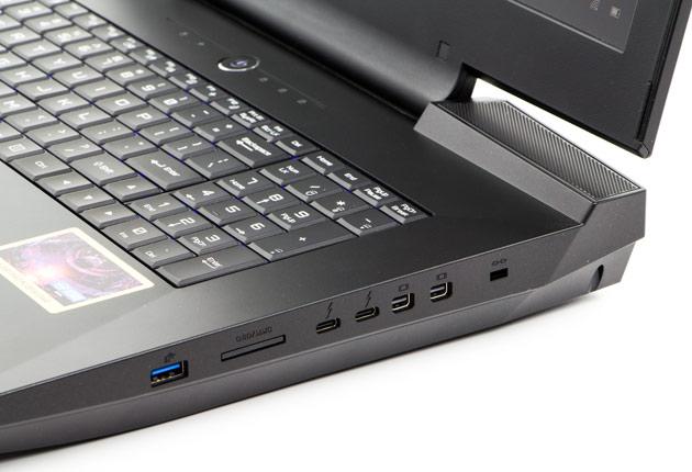 Hyperbook GTR87 VR3 SLI prawy bok