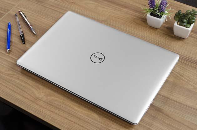 Dell Inspiron 15 5570 pokrywa ekranu