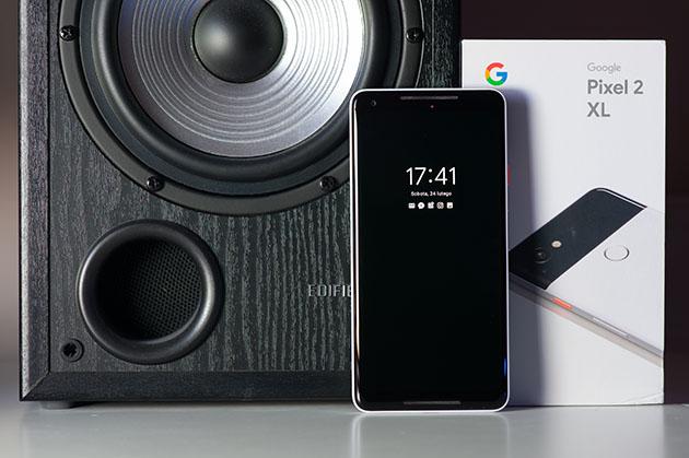Google Pixel 2 XL - smartfon z czystym Androidem