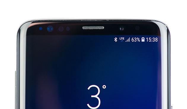 Galaxy S9 Plus - sensory w górnej ramce