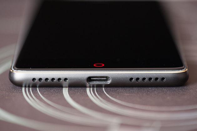 Nubia Z17 Lite - USB-C i głośnik