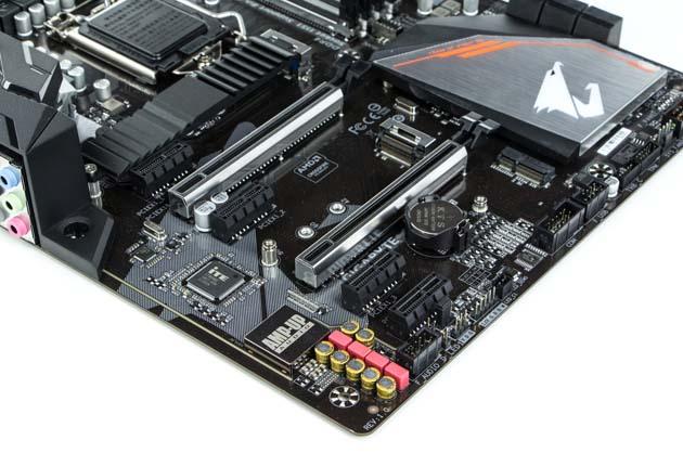 Gigabyte H370 Aorus Gaming 3 Wi-Fi - sloty