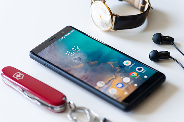 Xperia XZ2 Compact - mały szybki smartfon