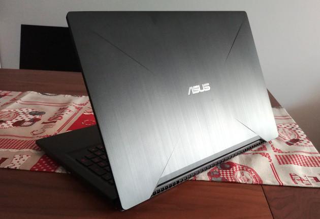 Asus FX503VD pokrywa ekranu