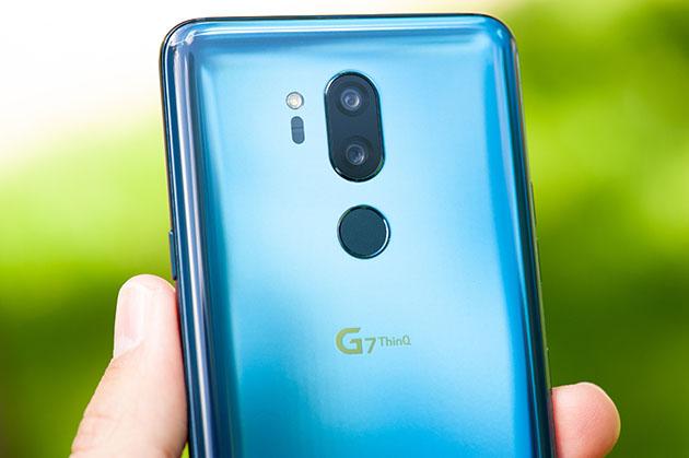 LG G7 - tył błękitny