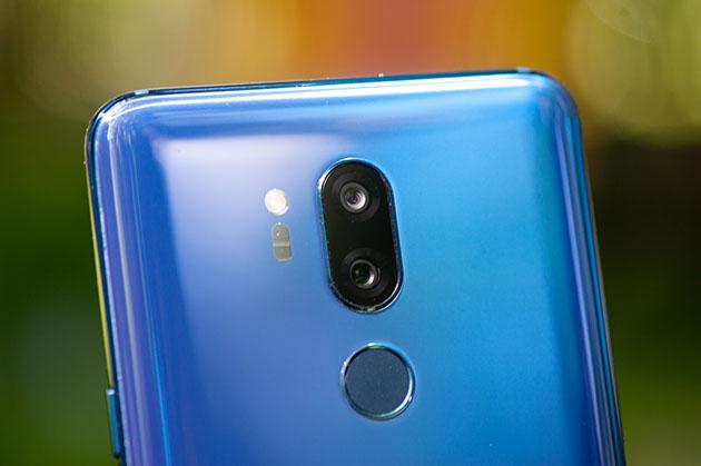 LG G7 - tył fioletowo-niebieski