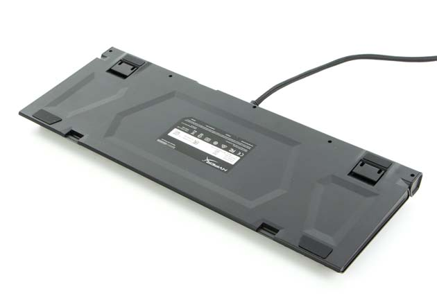 HyperX Alloy Elite RGB - spód klawiatury