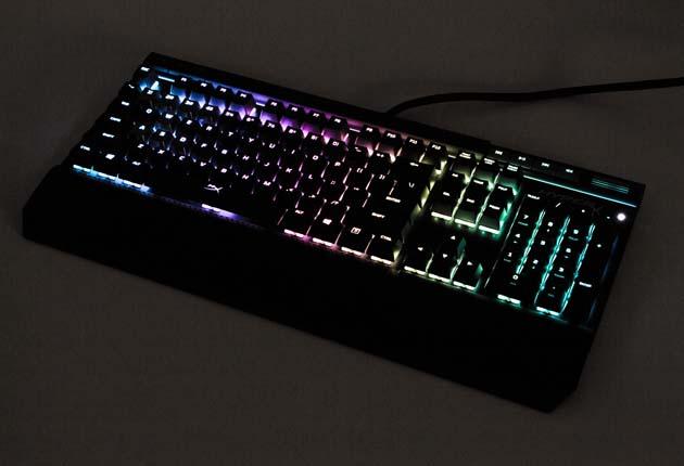 HyperX Alloy Elite RGB - tęczowe podświetlenie