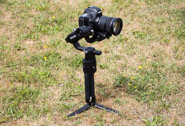 Dji Ronin-S - z zamontowanym Canonem EOS 6D