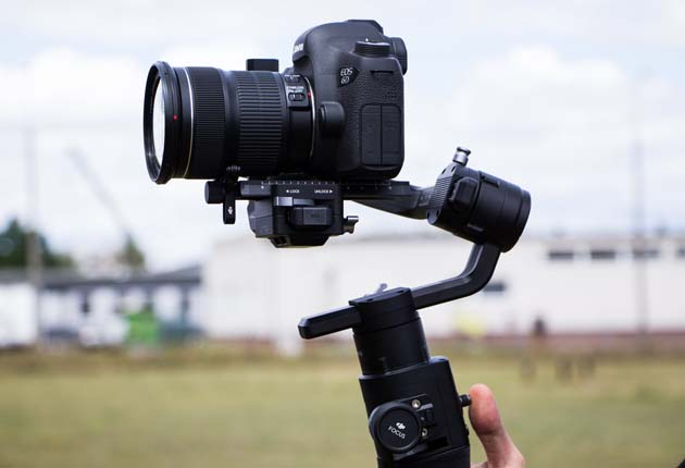 Dji Ronin-S - stały podgląd wyświetlacza aparatu