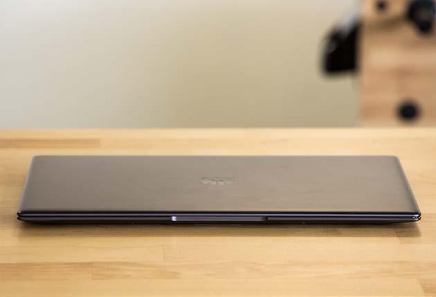 Huawei MateBook X Pro  przednia krawędź