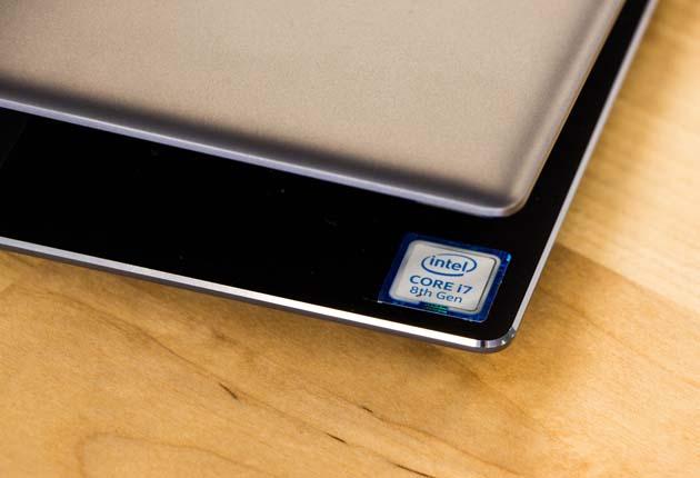 Huawei MateBook X Pro  krawędzie