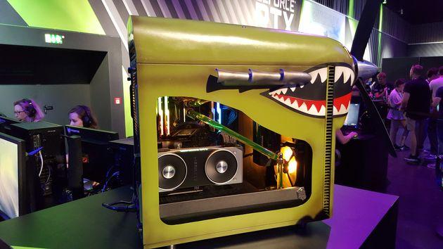 GeForce RTX - obudowa stylizowana pod grę Battlefield V z Geforce RTX na pokładzie