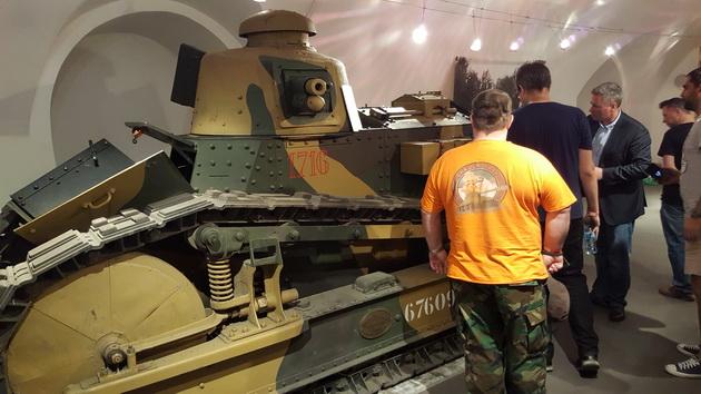 Polskie czołgi w World of Tanks - obiekt muzealny Renault FT