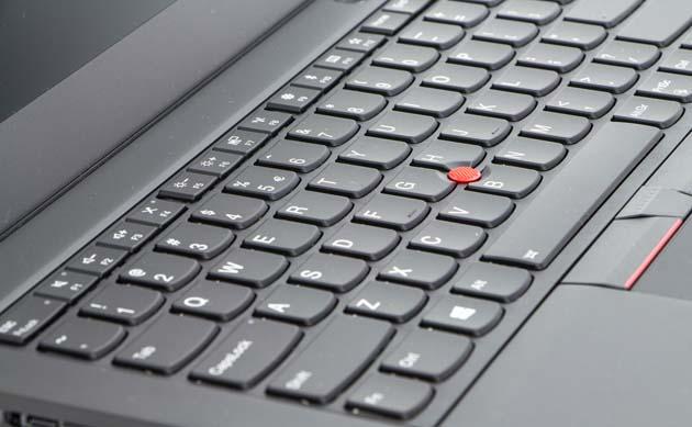 Lenovo ThinkPad T480s - wyprofilowane przyciski klawiatury