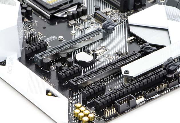 ASUS Prime Z390-A - sloty