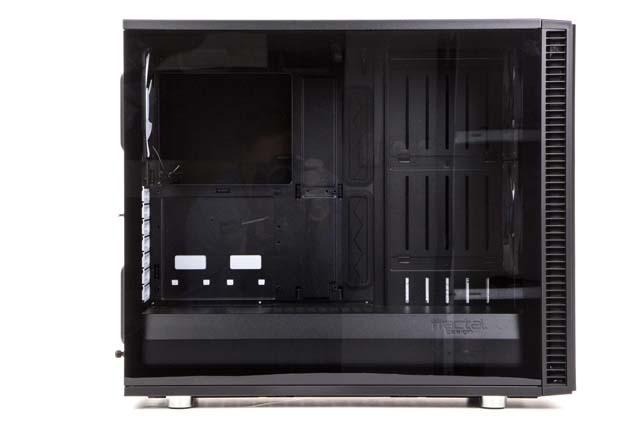 Fractal Design Define S2 - olbrzymie okno