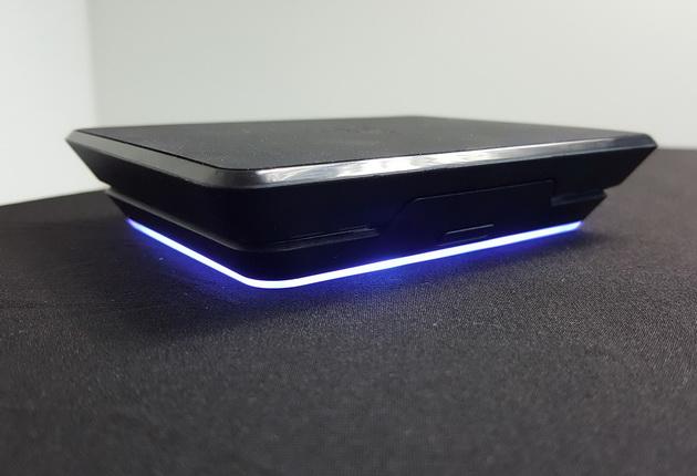 Razer Phone 2 - opcjonalna składana ładowarka bezprzewodowa