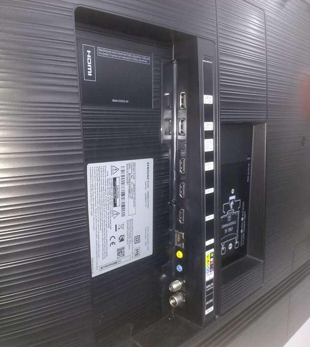 Samsung 49NU7172 - złącza