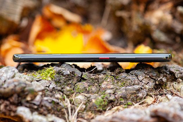 Huawei Mate 20 Pro zaokrąglone krawędzie ekranu
