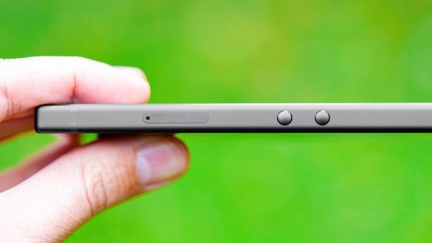 Razer Phone 2 - slot SIM