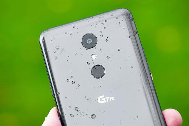 LG G7 fit - wodoszczelna obudowa IP68
