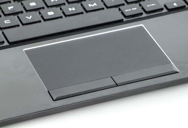 HP Omen 15 touchpad