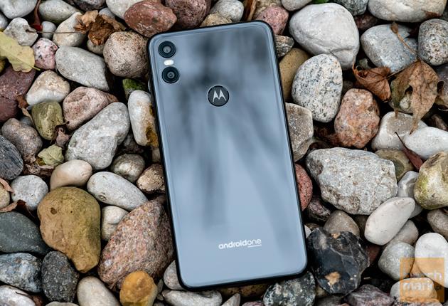 Motorola One tylna ścianka