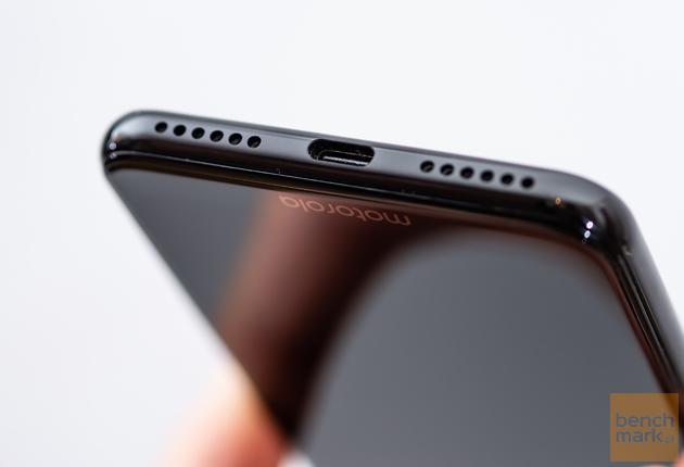 Motorola One złącze typu C