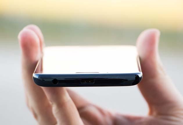 Motorola Moto G6 złącza