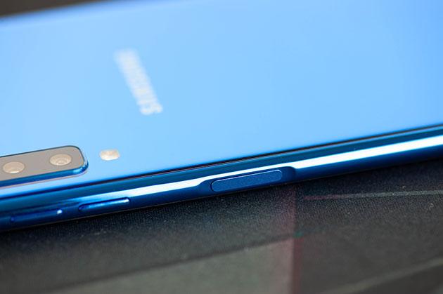 Samsung Galaxy A7 2018 - czytnik linii papilarnych