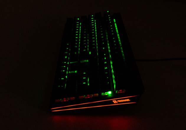 CA Gaming Shark - podświetlenie boczne