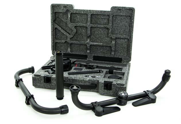 Feiyu-Tech AK2000 - nie wszystkie akcesoria mieszczą się w walizce