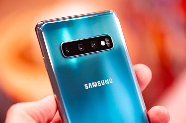 Galaxy S10 Plus unboxing