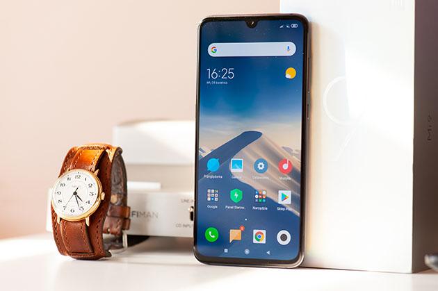 Xiaomi Mi 9 - przód