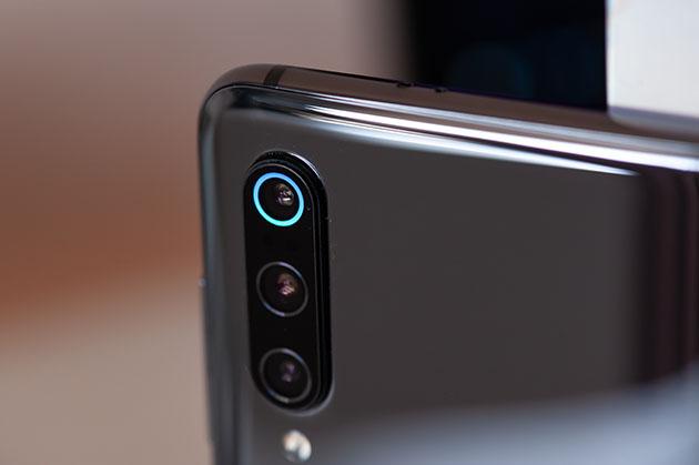 Xiaomi Mi 9 - tył