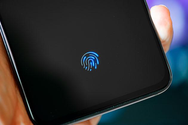 Xiaomi Mi 9 - czytnik linii papilarnych pod ekranem