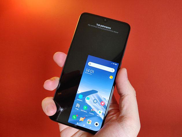 Xiaomi Mi 9 - pomniejszony ekran