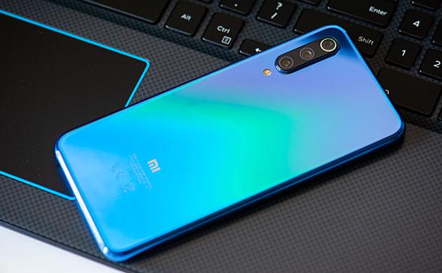 Xiaomi Mi 9 SE - rozpakowanie