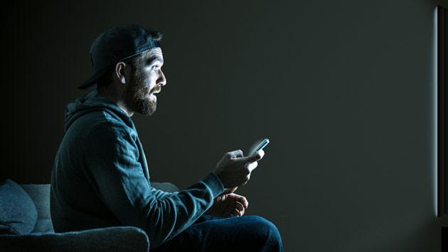 Jak bezprzewodowo przesłać obraz z telefonu na telewizor?