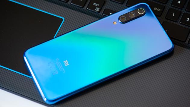 Xiaomi Mi 9 SE - świetny smartfon w dobrej cenie