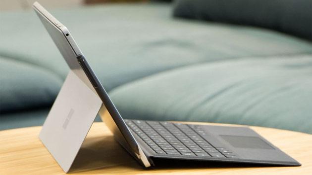 Microsoft Surface Pro czy Surface Book 2 – co wybrać?